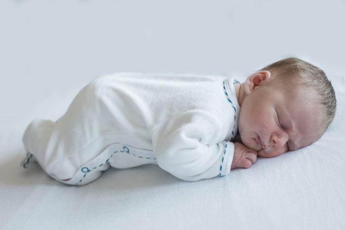 Photographe nouveau-né à la maternité d'Angers